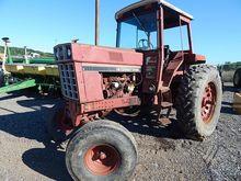 1981 INTERNATIONAL 786 Tractors