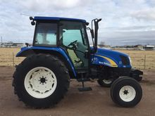 2009 NEW HOLLAND T5040 Tractors