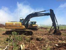 John Deere 200DLC Excavators