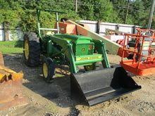 JOHN DEERE 2020 Tractors