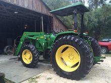 2000 JOHN DEERE 6405 Tractors