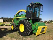 1999 John Deere 6850 Harvesters
