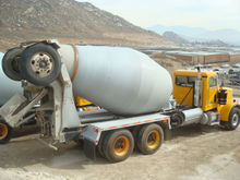 2003 PETERBILT 357 Concrete mix