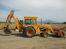 1982 DEERE 410 Backhoe loader