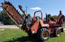 2000 DITCH WITCH 7610 Trenchers