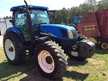 2008 NEW HOLLAND TS135 Tractors