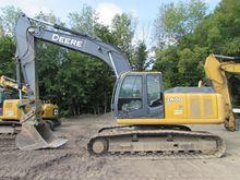 Used 2008 DEERE 240D