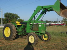 1984 John Deere 2350 Tractors