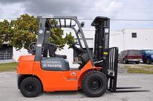 TOYOTA 7FGU25 Forklifts