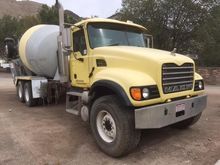 2002 MACK GRANITE CV513 Mixers