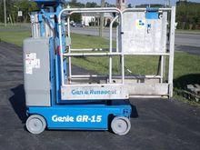 2011 GENIE GR15 Scissor lifts