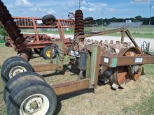 1995 8X42 EQUIPMENT AGRICULTURE