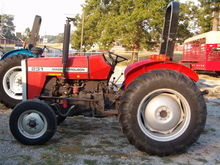 MASSEY FERGUSON 231 Tractors