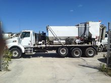2007 STERLING LT9500 Concrete m