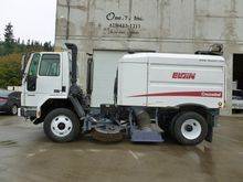 2007 FREIGHTLINER FC80 Sweeper
