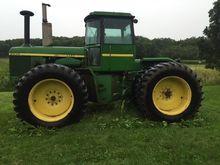 JOHN DEERE 8640 Tractors