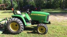 2013 John Deere 3032E Tractors
