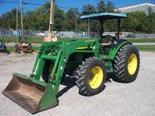 2002 JOHN DEERE 5520 Tractors
