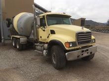 2005 MACK GRANITE CV713 Mixers