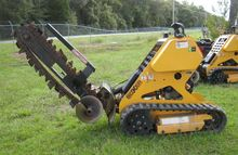 2011 BOXER 118 Trenchers