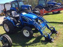 NEW HOLLAND TC35DA Tractors