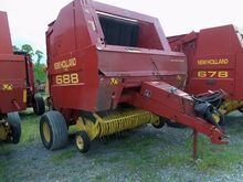 2000 NEW HOLLAND 688 Balers