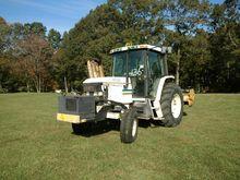 JOHN DEERE 6110 Tractors