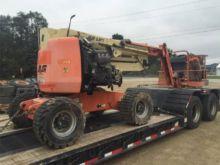 JLG 450AJ II Booms