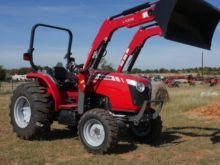 2016 Massey Ferguson 2705E Trac