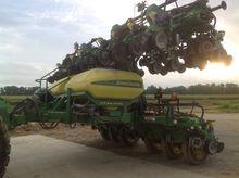 2013 John Deere DR24 Planters
