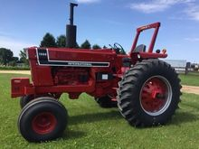 1976 INTERNATIONAL 1566 Tractor