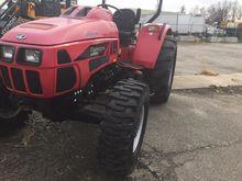 2014 MAHINDRA mPOWER 85 Tractor