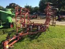 WIL-RICH 2500 Field cultivators