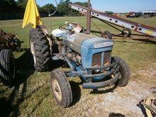 FORDSON DEXTA Tractors