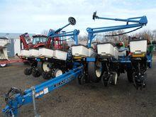 2012 KINZE 3200 Planters
