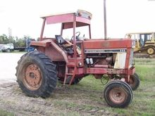 1976 INTERNATIONAL 886 Tractors