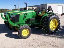 2015 JOHN DEERE 5075E Tractors
