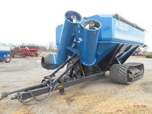 KINZE 1100 Grain carts
