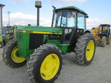 1989 JOHN DEERE 2955 Tractors