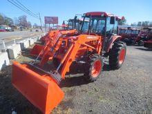 2006 KUBOTA M5700HDC Tractors