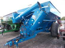 2010 KINZE 850 Grain carts