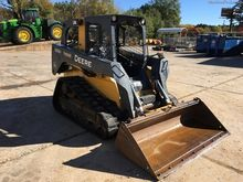 John Deere 333DT Loaders