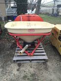 2005 Vicon PS403DM Spreader