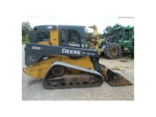 John Deere 333E Loaders