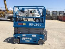 2013 GENIE GS1930 Scissor lifts