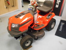 HUSQVARNA LTA 18538 Riding lawn