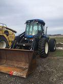 2005 NEW HOLLAND TV145 Tractors