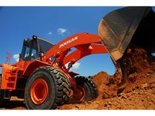 2007 Doosan DL400 Loaders
