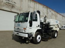 2004 FREIGHTLINER FC80 Sweeper