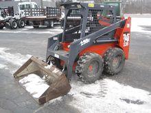 2001 THOMAS T135S Skid steers